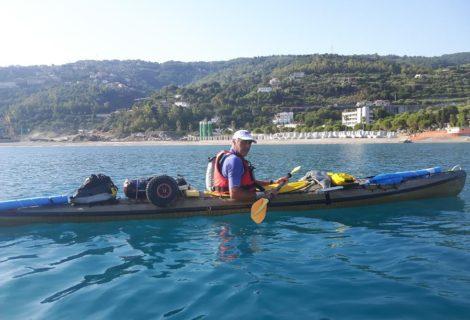 Mille chilometri in canoa da Palermo alla Porta santa